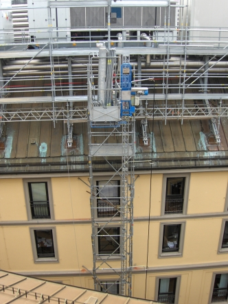 Builders' hoists for goods